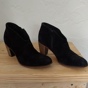 Black suede Johnston and Murphy booties